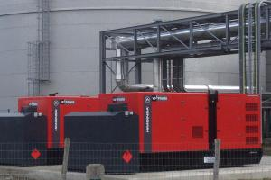 Synchronously running emergency gensets